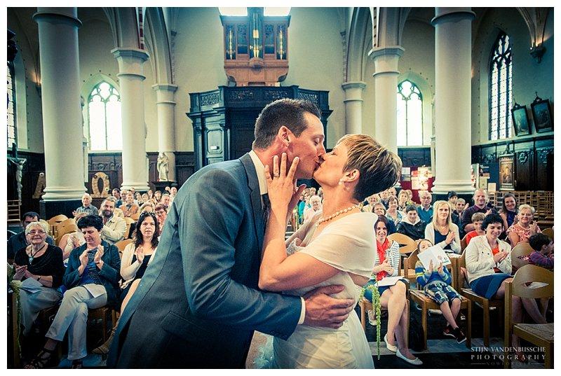 Trouwfotos BRam en Christel_0020 officieel getrouwd de kus